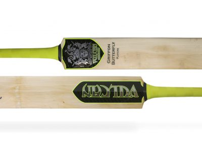 Vulcan Griffon Handmade Cricket Bat_Butterfly Willow_1